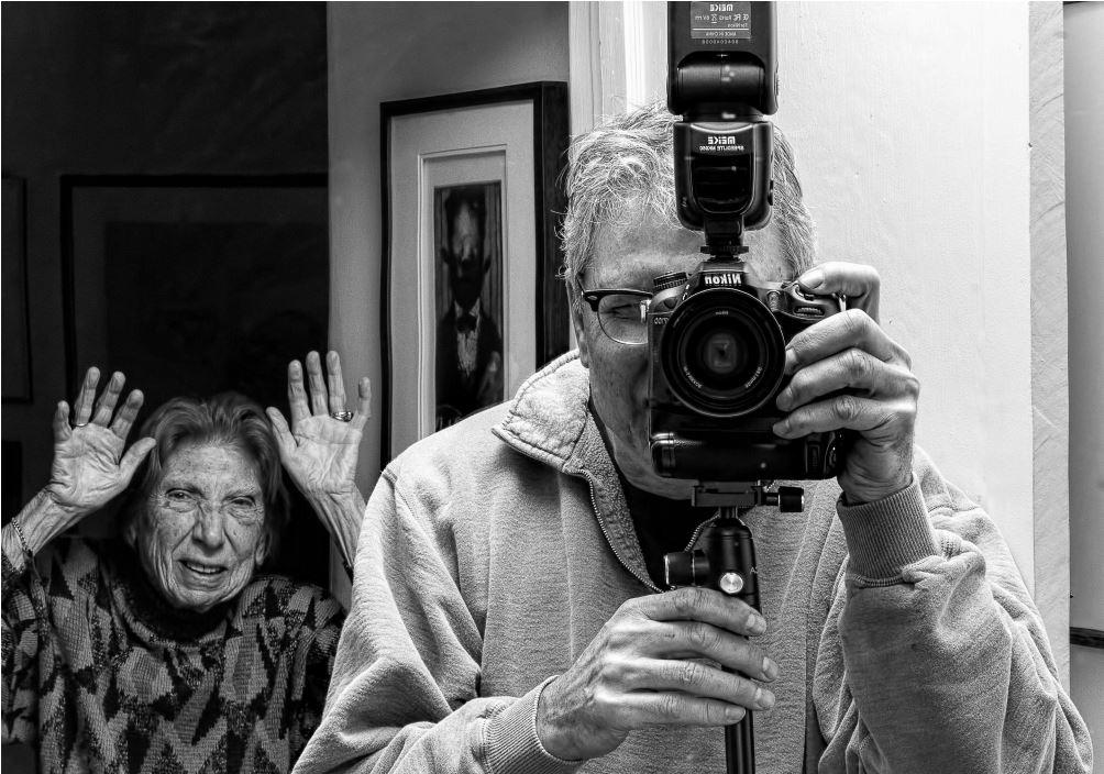cykl artystyczy z udziałem 91 letniej mamy autora