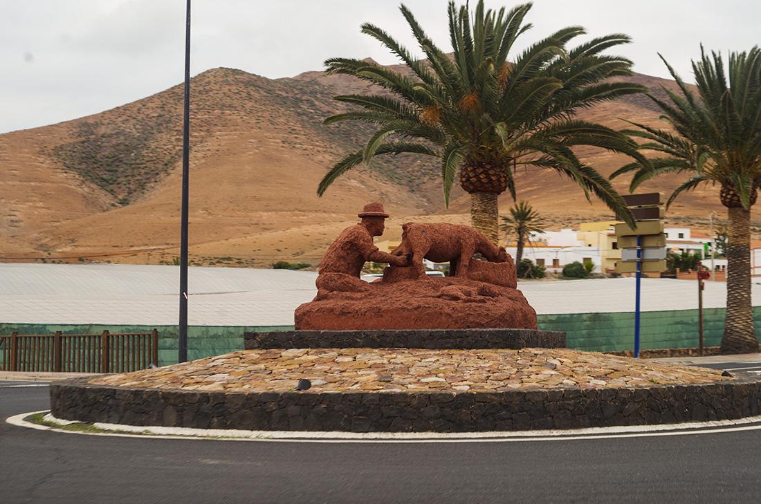 pomnik kozy